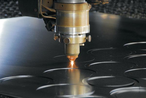 Là công nghệ cắt kim loại sở hữu nhiều ưu điểm mà các phương pháp cũ không có