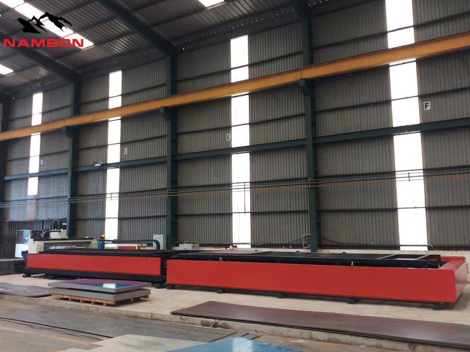 Máy cắt laser khổ rộng 2mx6m với nguồn công xuất sao